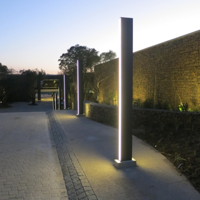 Sliver urban light element