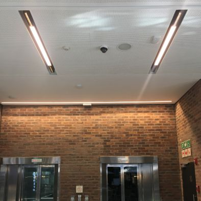 Floren with central linear light
